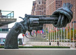 The Knotted Gun – Symbol of Peace and Hope