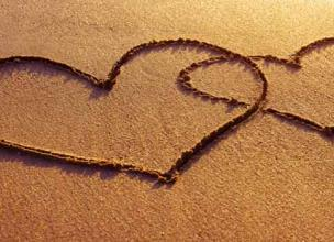 Top Heartwarming 10 Facts about Love