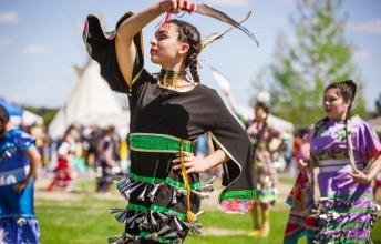Pow Wow – Healing Traditional Tribal Dance