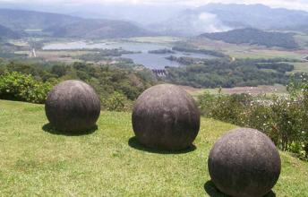 The giant stone balls of Costa Rica - World Mysteries