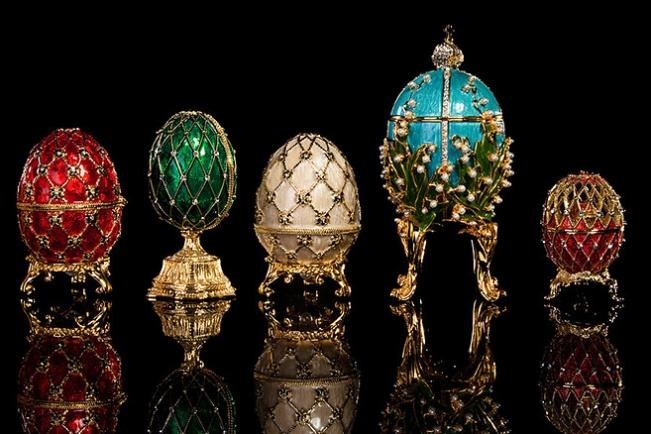 seven famous faberge eggs documentarytube. Black Bedroom Furniture Sets. Home Design Ideas