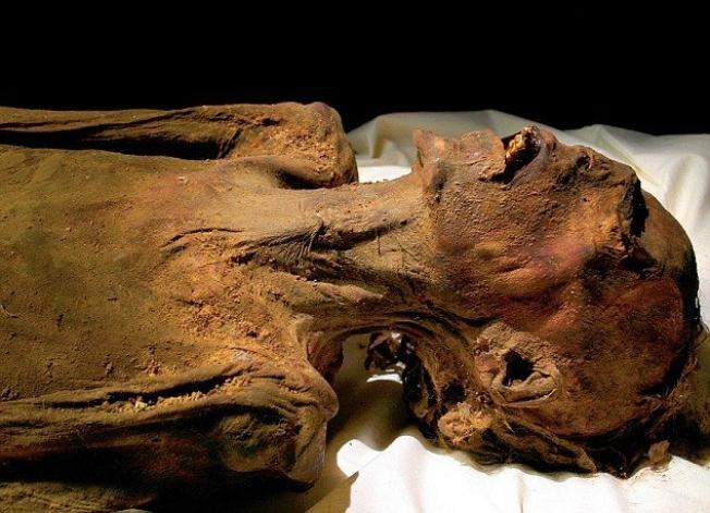 The Unknown Man E - The most mysterious mummy in the world
