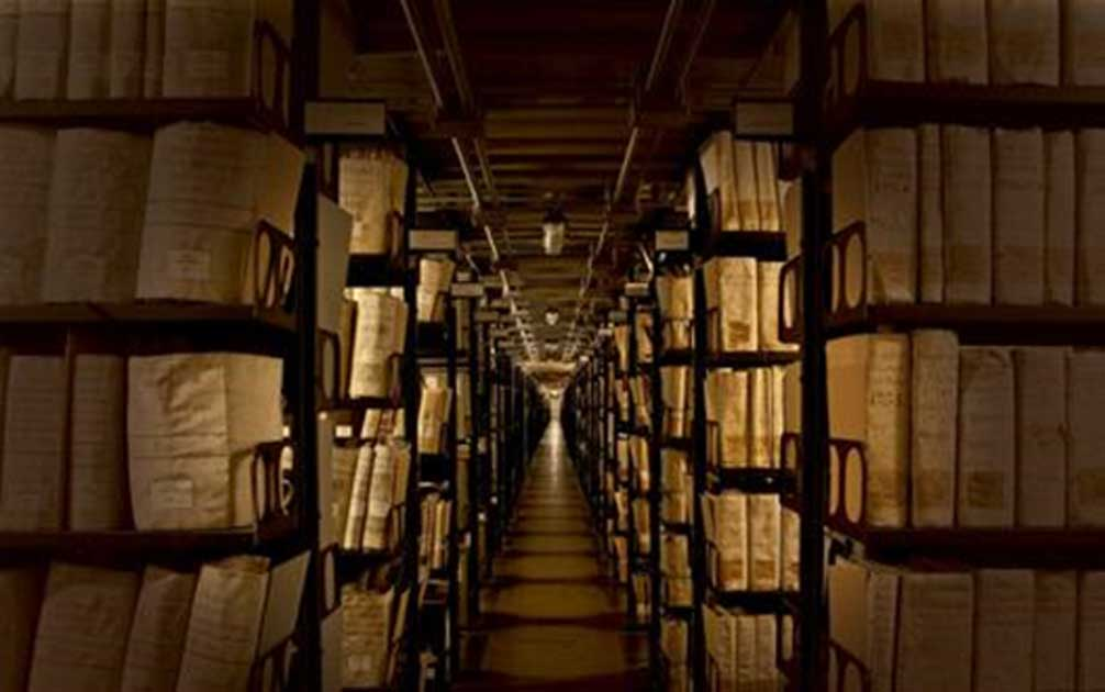 What is in Vatican Secret Archives?