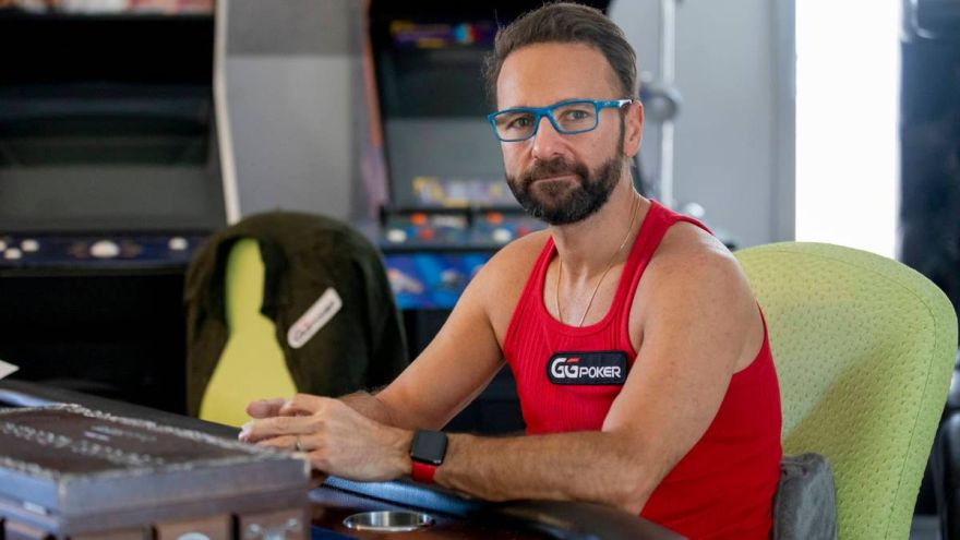 Daniel Negreanu Destroys Venetian Poker Table Plexiglass