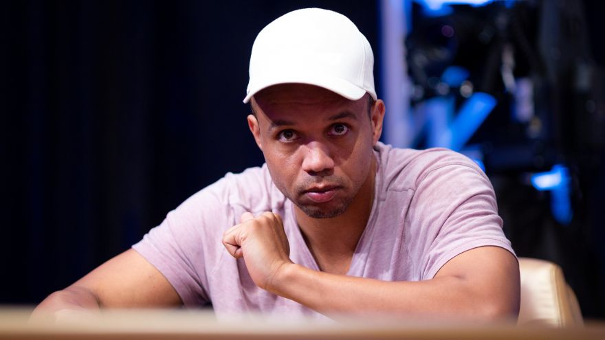 Phil Ivey a Late Entrant in $300,000 Buy-In Super High Roller Bowl