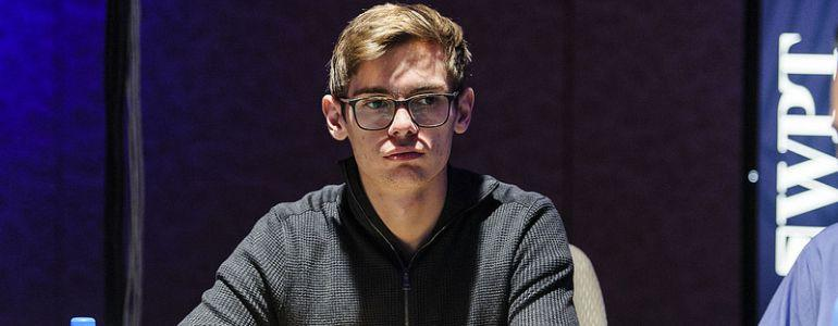 Fedor Holz Claims He Didn't Sacrifice His Life to Be a High-Stakes Crusher