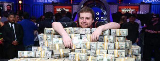 Joe McKeehen Wins The 2015 WSOP Main Event
