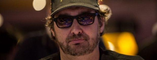 Phil Hellmuth Crushed at His Home Game