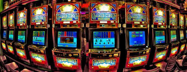 Video Poker vs. Table Poker: What's the difference?