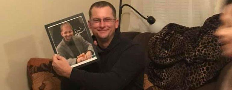 Wife Gifts Husband Ultimate Christmas Poker Present – And Then Santa Steps In!
