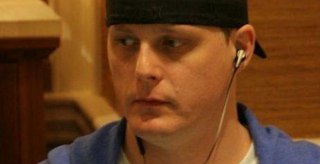 Ex-Felon Learns Poker in Prison