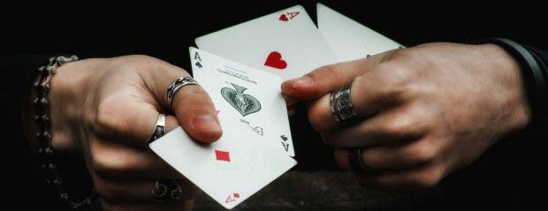 How Can You be Cheated While Playing Online Poker?