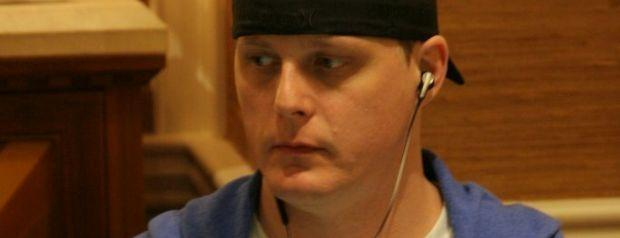 Ex-Felon Learns Poker in Prison
