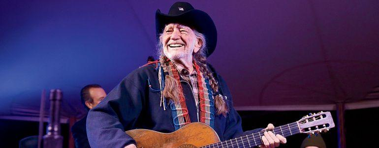 Willie Nelson Talks Playing Poker With Woody Harrelson and Owen Wilson