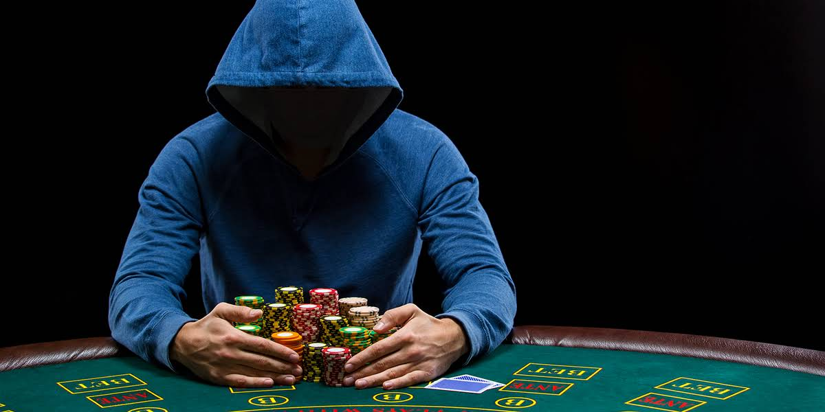 Wealthy Celebs Hiding Money in Online Poker Scam