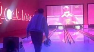 Documentaries Life of Ivey 21 - Phil vs Bear - Bowling Wars Thumbnail